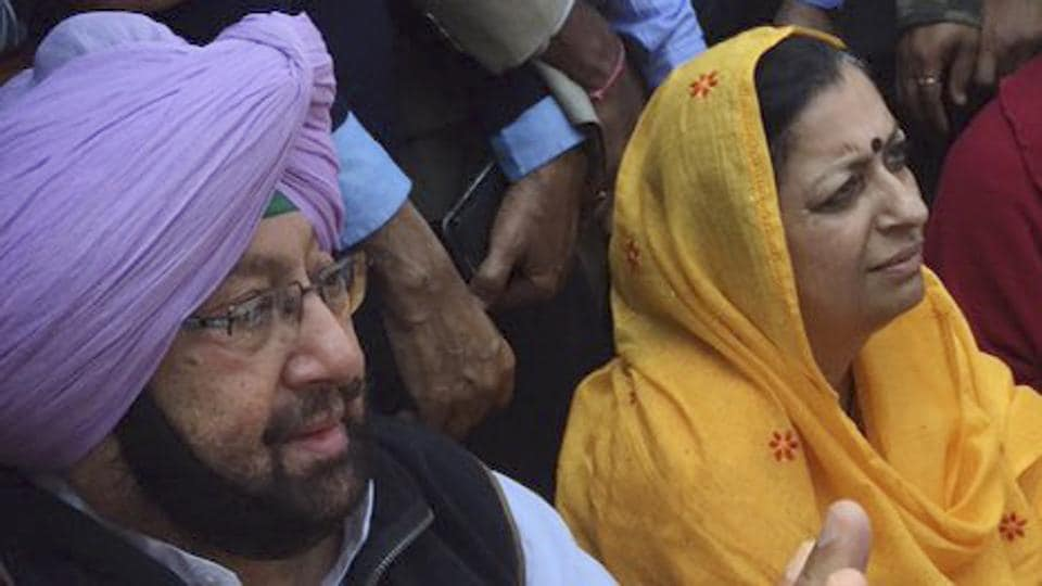 Captain Amarinder Singh addresses a press conference at Patiala after trends showed that the Congress Party was leading in Punjab. (HT Photo)