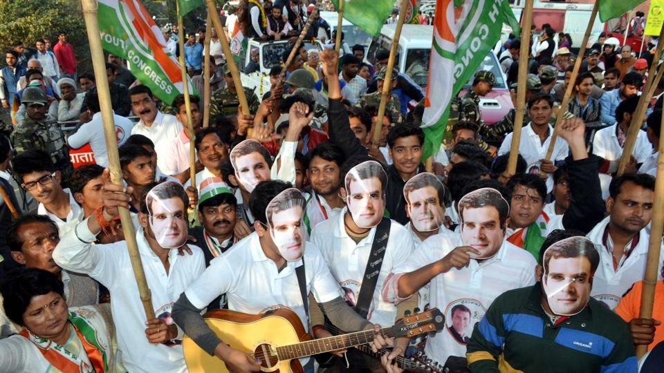 OUT OF TUNE? Congress supporters at an Agra rally of party vice president Rahul Gandhi for the Uttar Pradesh assembly elections.