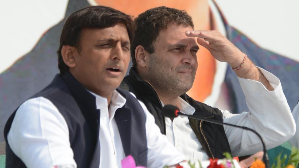 Congress vice president Rahul Gandhi (right) and Uttar Pradesh chief minister Akhilesh Yadav in Lucknow.