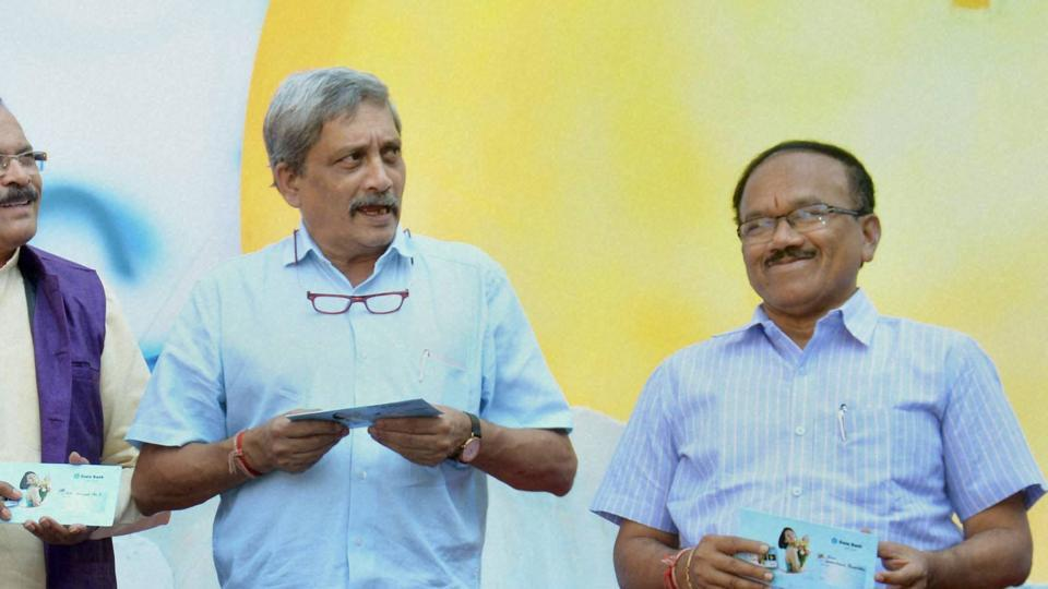 Goa chief minister Laxmikant Parsekar (right) lost to Congress candidate Dayanand Sopte in Mandrem  by over 7000 votes.