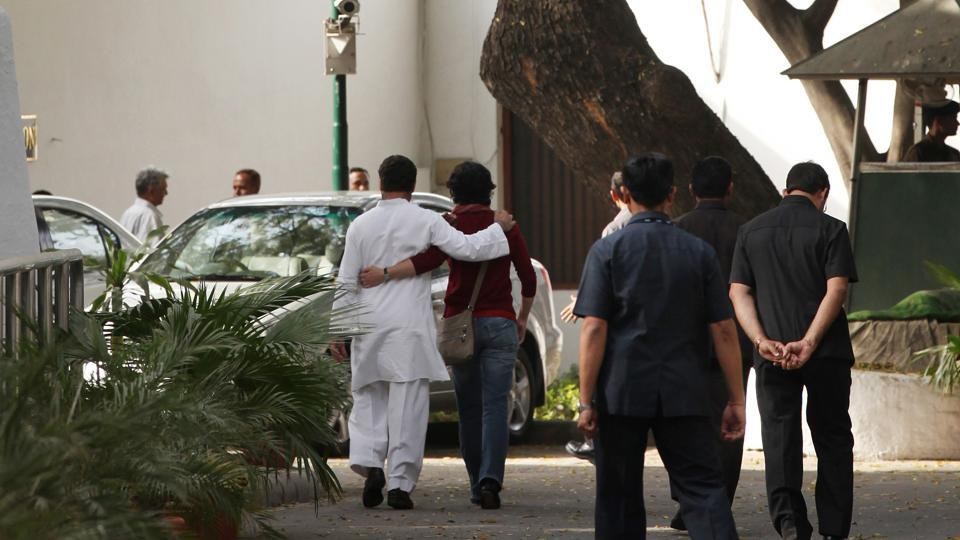 Rahul Gandhi consoled by his sister Priyanka Gandhi after returning from a media interaction on UP election results outside 10 Janpath on March 6, 2012 in New Delhi. Accepting the responsibility for the poor show of his party in Assembly elections in Uttar Pradesh he said that the party need to strengthen its structure in the state. Congress with its ally RLD managed to win just 38 out of 403 assembly seats in Uttar Pradesh. (Ajay Aggarwal/HT Photo)