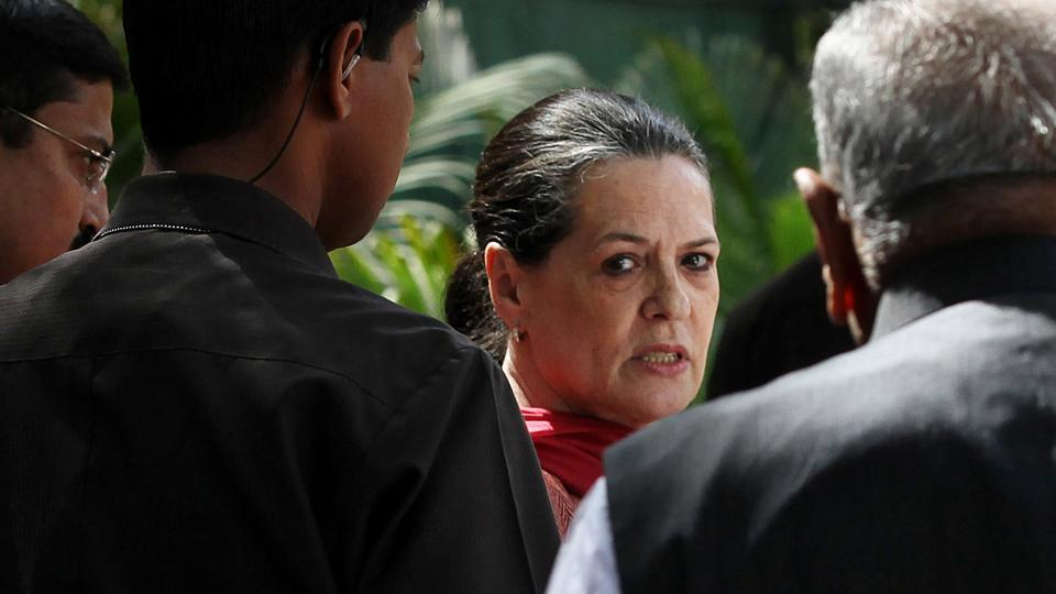 Congress Chairperson Sonia Gandhi arriving to address the media on After  2012 assembly election results, at AICC Office on March 7, 2012 in New Delhi. She said that the Congress will look into the mistakes committed and will take corrective measures. (HT Photo)