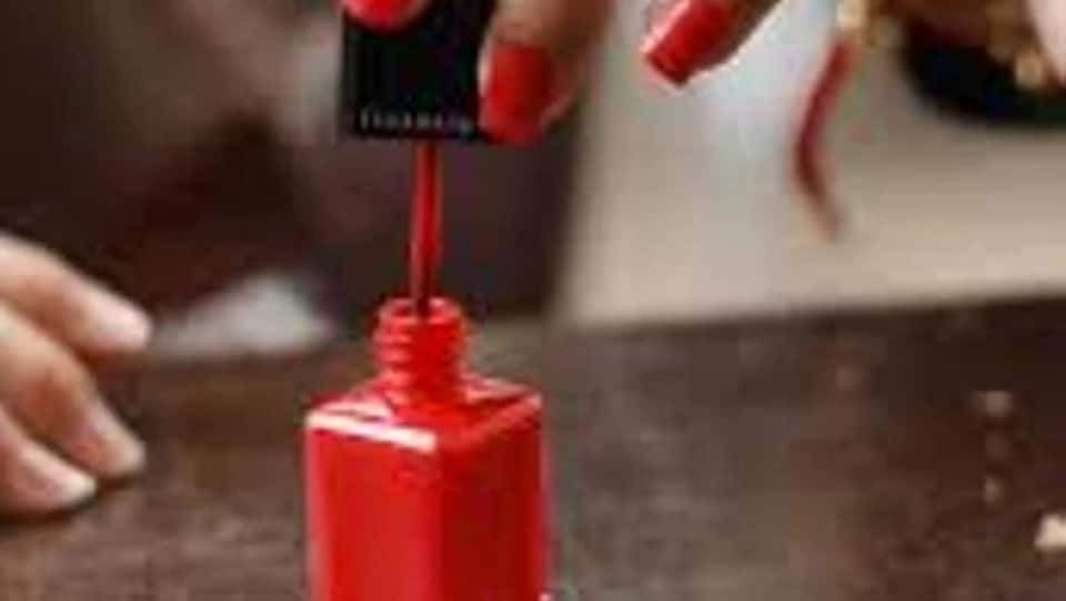 red,nail paint,manicure