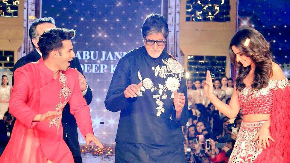 Big B with Varun Dhawan and Alia Bhatt at an event.