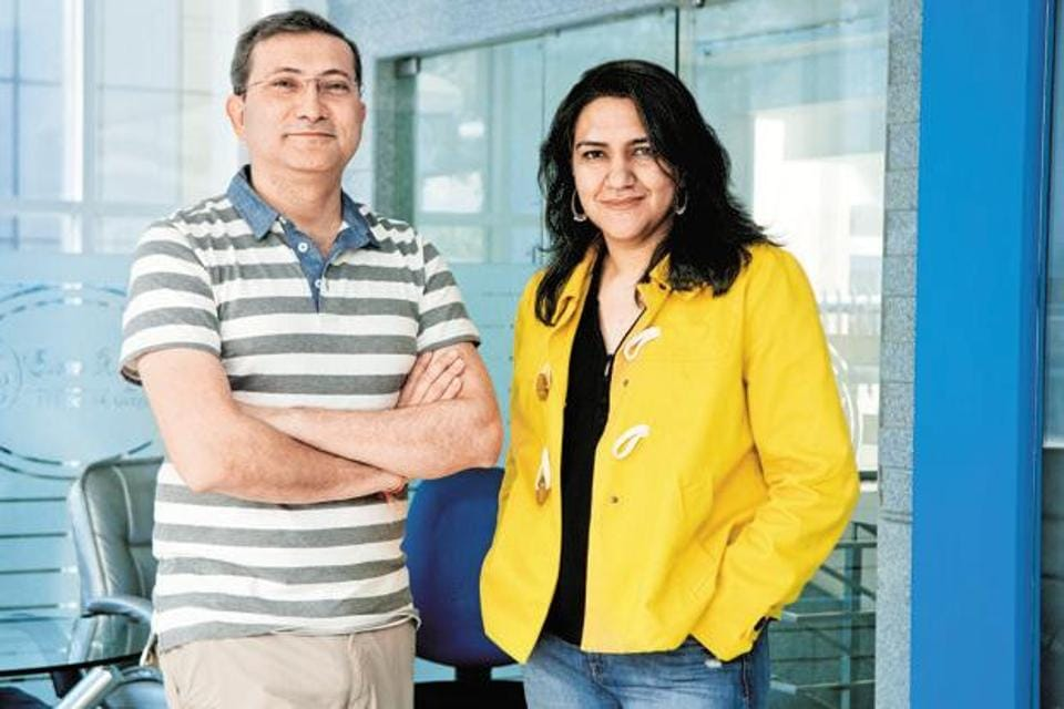 Radhika Aggarwal (right) and Sanjay Sethi, founders of Shopclues.