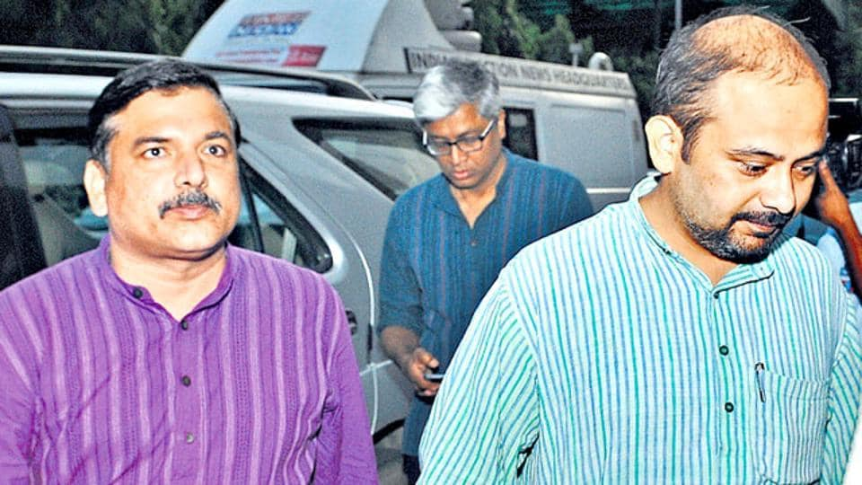 AAP leader Dilip Pandey (right) went to meet police commissioner with his colleague Sanjay Singh on Wednesday. (Mohd Zakir/HT photo)