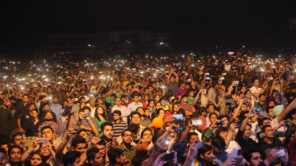 The huge crowd at Hansraj College's annual cultural fest , Confluence '17.