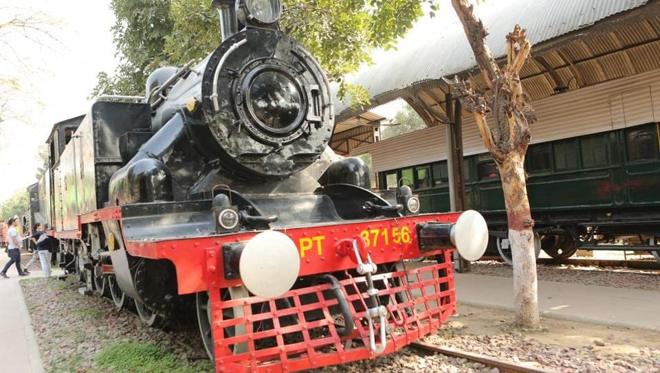 This time around, the fashion week in Delhi will have a showcase at the National Rail Museum.