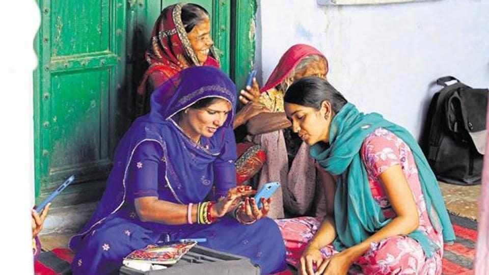 Gram Panchayats,Manoj Sinha,BharatNet project