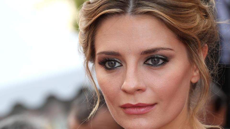The Oc Star Mischa Barton Is A Victim Of Revenge Porn, Her Sex Tape Is Being Sold -1355