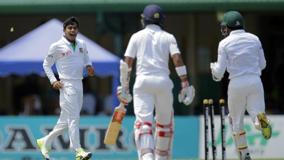Bangladeshi bowler Mehedi Hasan Miraz, left, celebrates the dismissal of Sri Lanka's Kusal Mendis. Follow live cricket score of the Sri Lanka vs Bangladesh 2nd Test Day 1 here.