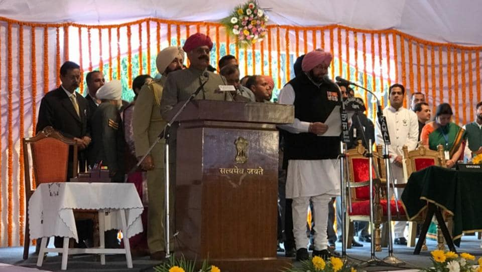 Capt Amarinder Singh being sworn-in as the 26th chief minister of Punjab in Chandigarh on Thursday.  (PPCC Twitter handle)