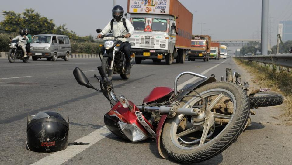 Two wheelers are not allowed on Gurgaon expressway.