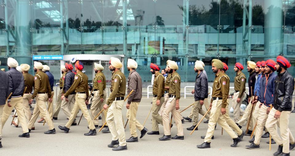 Bomb scare,Panic ends,'suspicious' bag