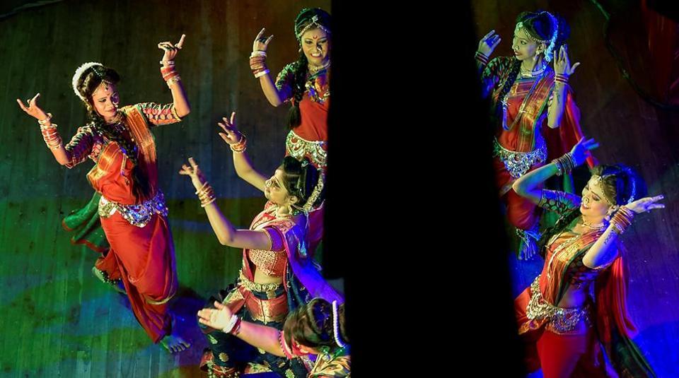 Dancers perform at a lavani programme in Damodar Hall, Parel. (Kunal Patil/HT Photo)