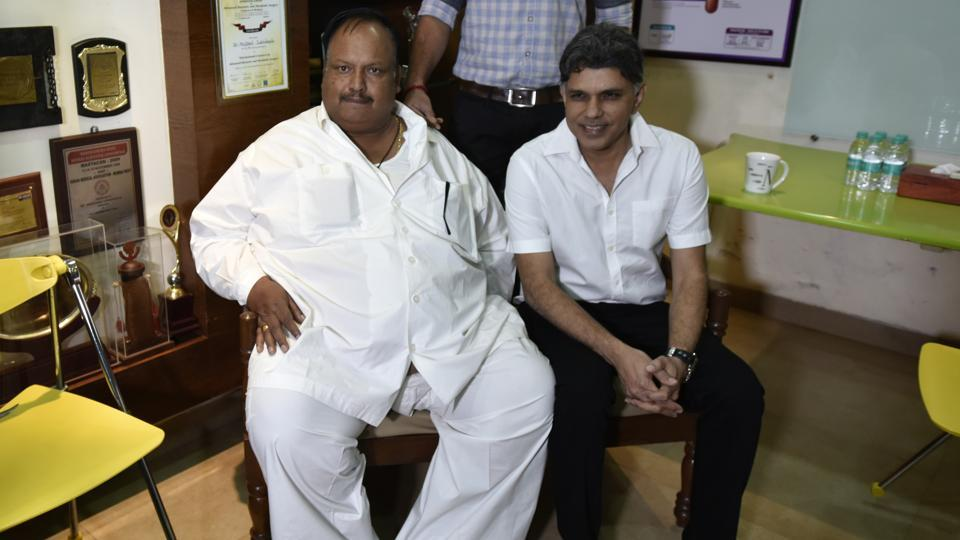 Madhya Pradesh police inspector Daulatram Jogawat with Dr. Muffazal A Lakdawala after he underwent a bariatric surgery in Mumbai.