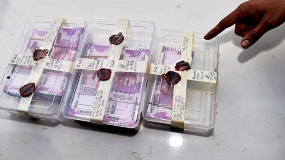 Bundles of counterfeit Rs 2000 notes recovered by Delhi Police.
