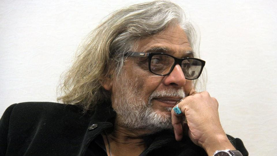Filmmaker Muzaffar Ali says I can't afford to play around with the Kashmiri sentiment for my film.