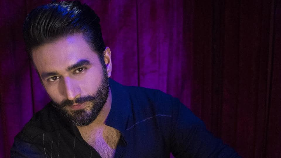 Shekhar Ravjiani has released a new single, which is his rendition of the Gayatri mantra.