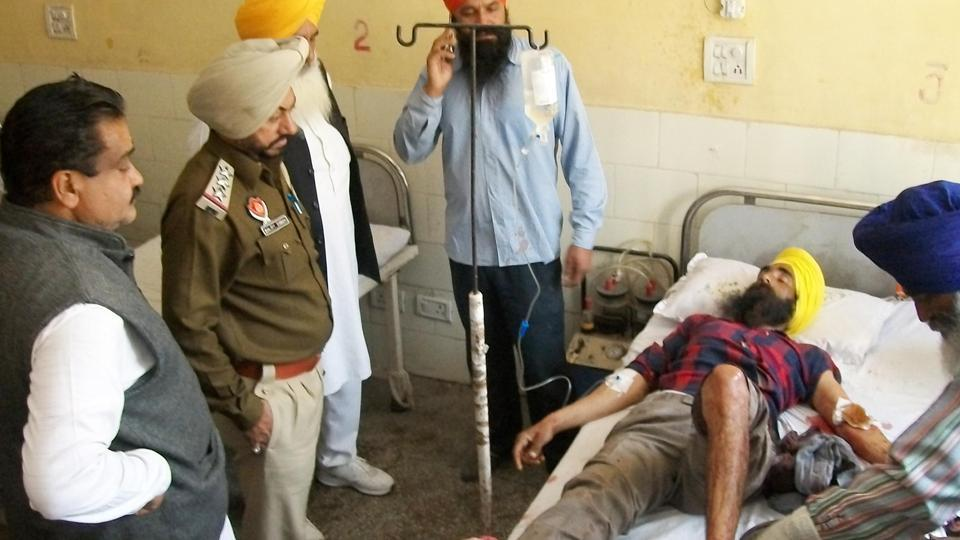 Injured Congress worker Kanwaljeet Singh in hospital.