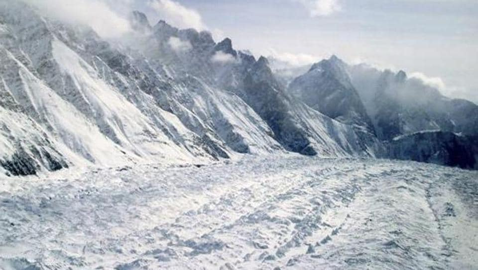 An aerial view of the Siachen Glacier, which traverses the Himalayan region dividing India and Pakistan, about 750 kilometers (469 miles) northwest of Jammu.