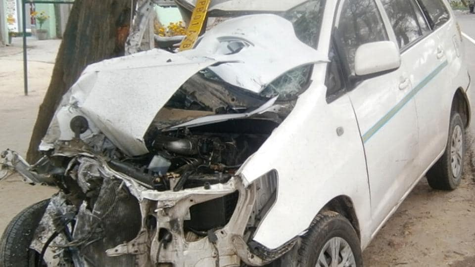 One dead,two injured,Behram road mishap