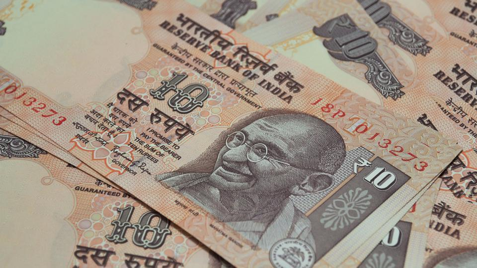 The RBI will soon begin trials of plastic notes of Rs 10.