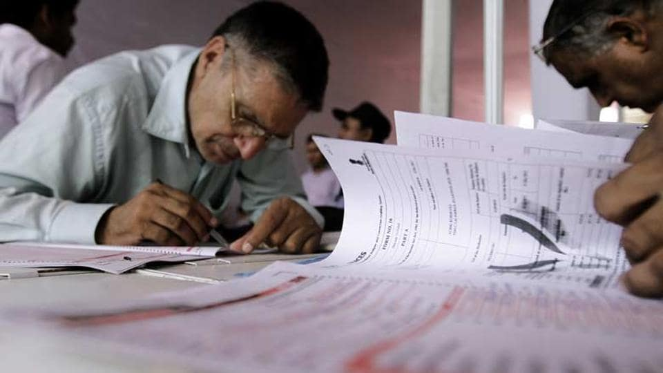 The Income Tax department onSaturday released a list of 29 entities owing Rs 448.02 crore in taxes as part of its strategy to name and shame large defaulters.