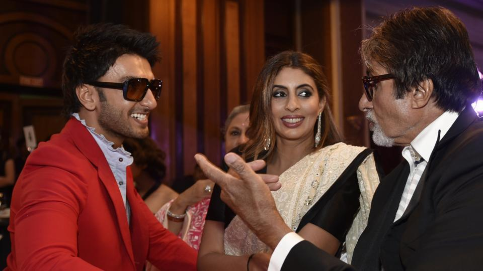 Ranveer Singh greeting Shweta Nanda Bachchan and Amitabh Bachchan in a typical 'Ranveer Singh' fashion. Don't think the Bachchans mind, eh? (Satish Bate/ HT Photo)