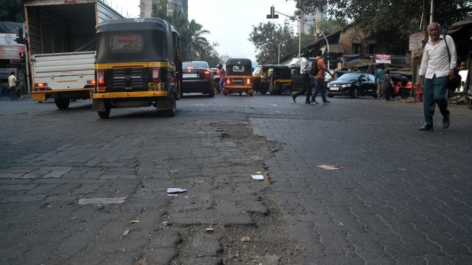 An inquiry team submitted its trial report on the second phase of the roads scam investigation to civic chief Ajoy Mehta on Friday.