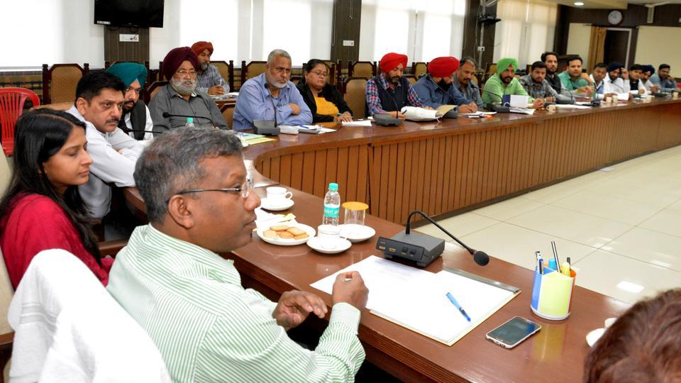 Deputy commissioner Diprava Lakra holding a meeting of officials in Bathinda on Saturday.