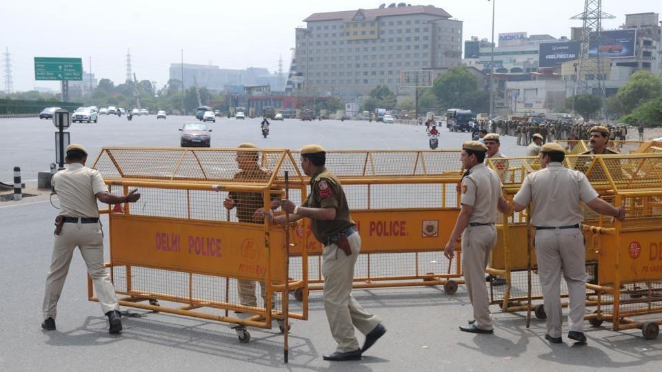 Delhi police had blocked the Delhi-Gurgaon Sarhaul border with barricades ahead of the Jat agitation in Gurgaon on Sunday.