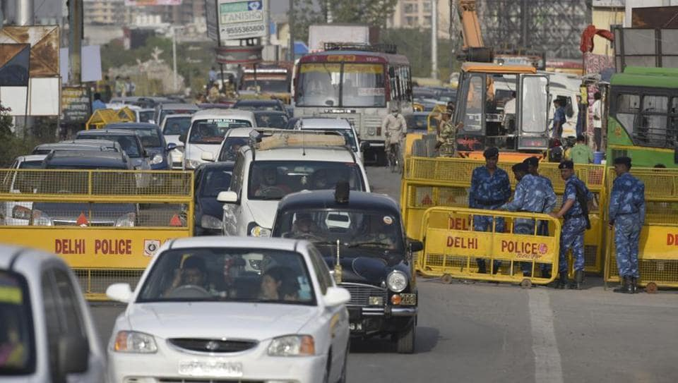 Security checks at the UP-Delhi border caused heavy traffic on the NH-24  on March 19, 2017. Security arrangements will remain in place on Monday as well.