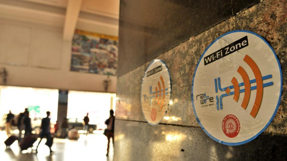 Internet infrared system 'Li-Fi' is 100 times faster
