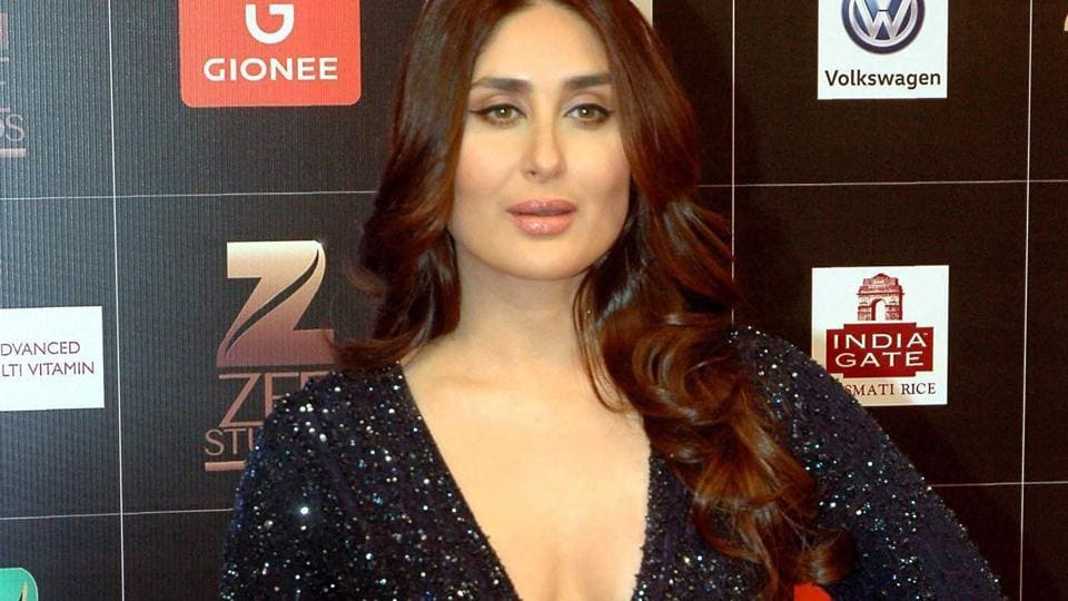 Kareena Kapoor Khan's simple yet glamorous avatar is an ideal celebrity red carpet look for this season.