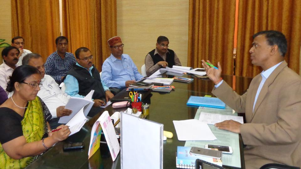 BSEB chairman Anand Kishor (right) addressing a meeting of its officials in Patna.