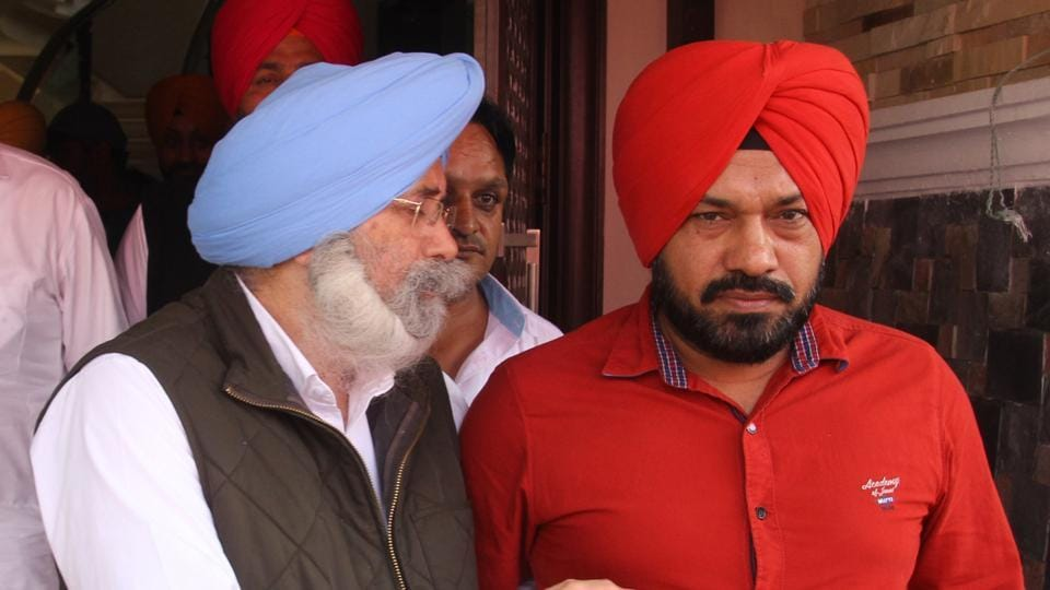 HS Phoolka, leader of opposition in the Punjab assembly, and state AAP convener Gurpreet Singh Ghuggi after a meeting of the state leaders in Jalandhar on Monday.