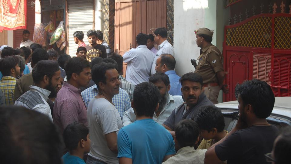 Teams of Ghaziabad administration and police launched a crackdown on illegal slaughterhouses and meat shops on Tuesday.