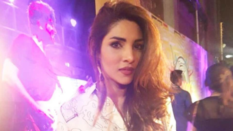 Zhalay Sarhadi,Priyanka Chopra,Priyanka Chopra Double