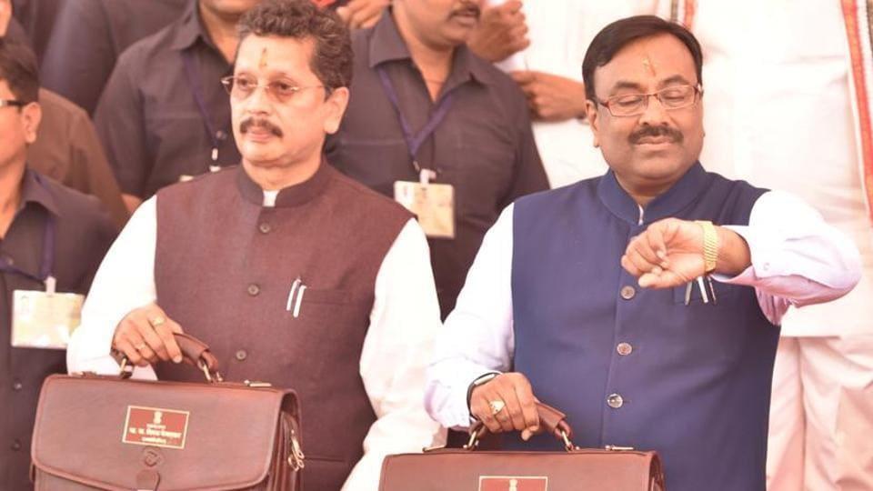 State Finance Minister Sudhir Mungantiwar (right) and MoS Deepak Kesarkar before presenting the Maharashtra budget recently.