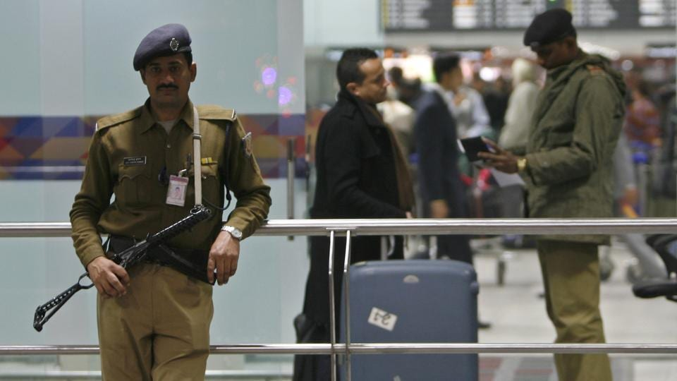 An alert CISF jawan on Tuesday became a good samaritan as he helped restore a Japanese man's forgotten bag containing Rs 2.5 lakh cash, just before he was about to take off for Tokyo.