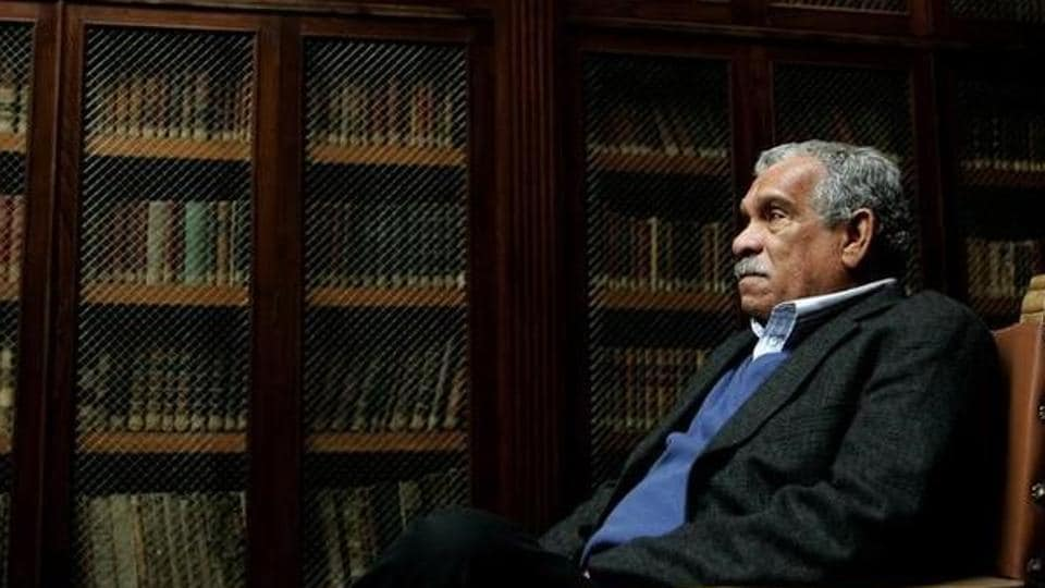 Nobel Prize laureate Derek Walcott inside the library of Oviedo's University in 2006. Walcott, 87, died on March 17, 2017 at his home in St. Lucia.