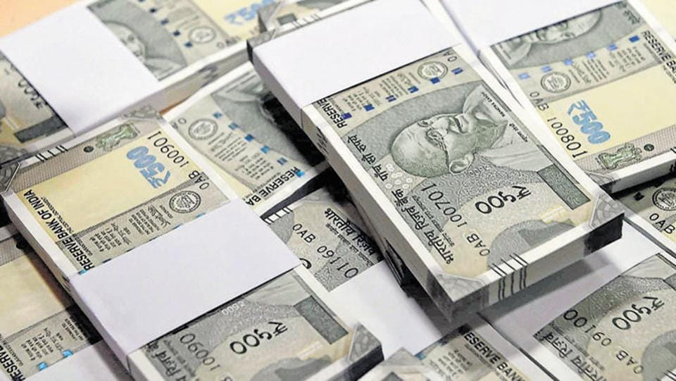 New currency notes of Rs 500.
