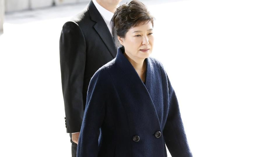 South Korea's ousted leader Park Geun-hye arrives at a prosecutor's office in Seoul.