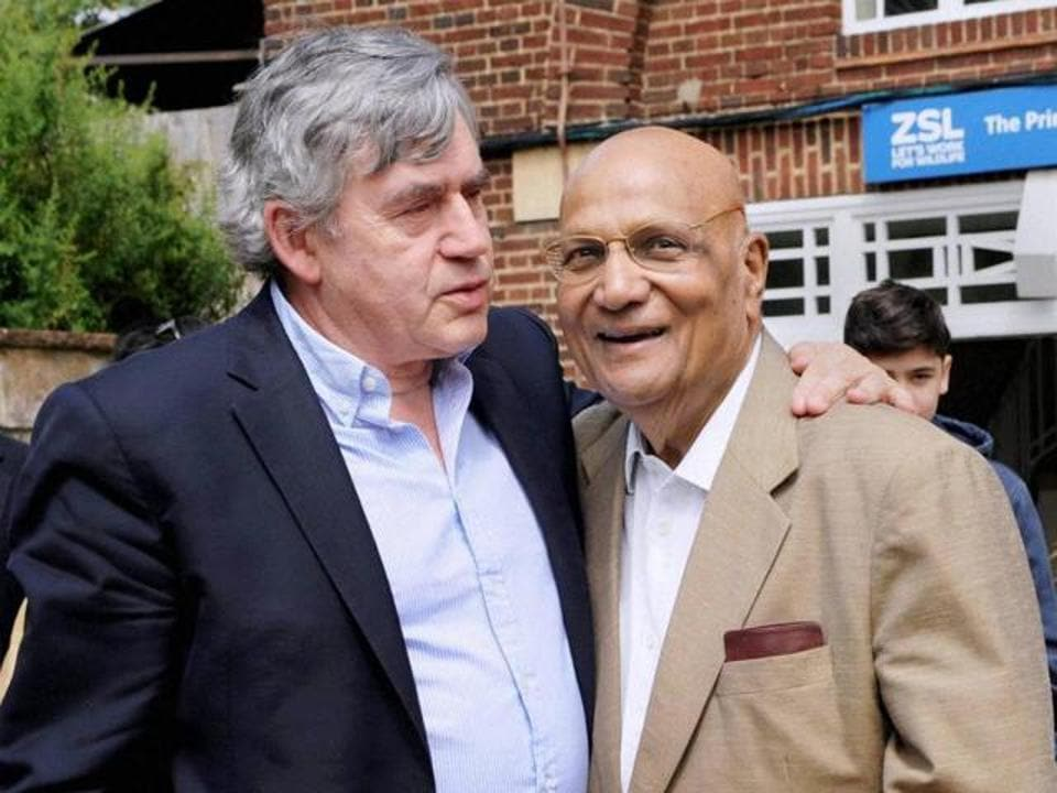 NRI industrialist Lord Swraj Paul (right) with Britain's former Prime Minister Gordon Brown at an event at London Zoo.