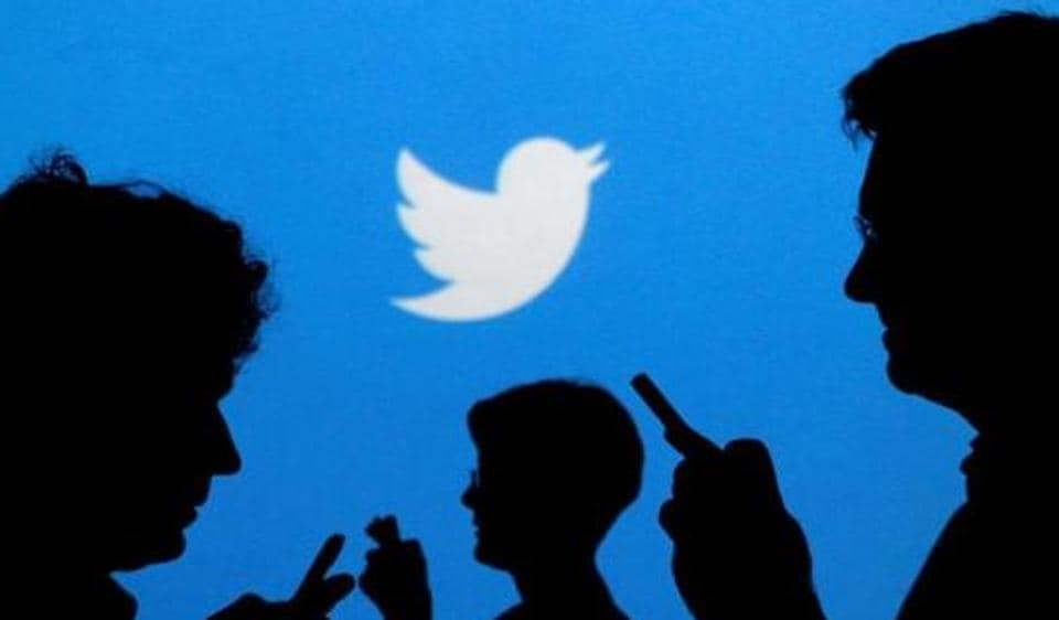 Twitter said that in the last six months of 2016 it suspended 376,890 accounts for promoting terrorism