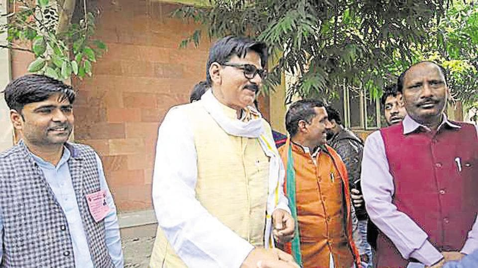 After a few decades in the Congress, Dhirendra Singh(centre) quit the party and joined the BJP on January 8.