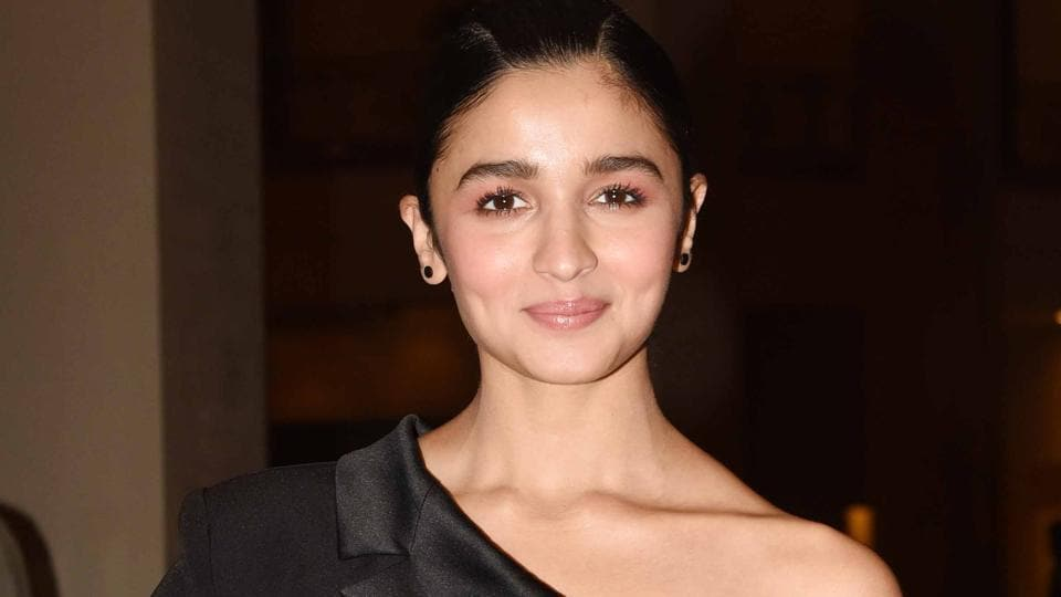 Opinion you Bollywood actress alia bhatt apologise, but