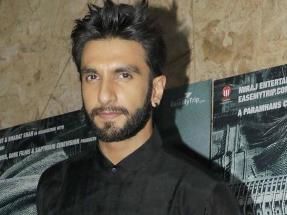 Ranveer Singh is never shy of promoting a friend's film.