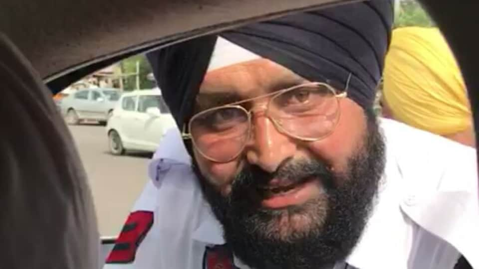 Finance minister Manpreet Badal on Thursday caught on camera two cops accepting bribe.